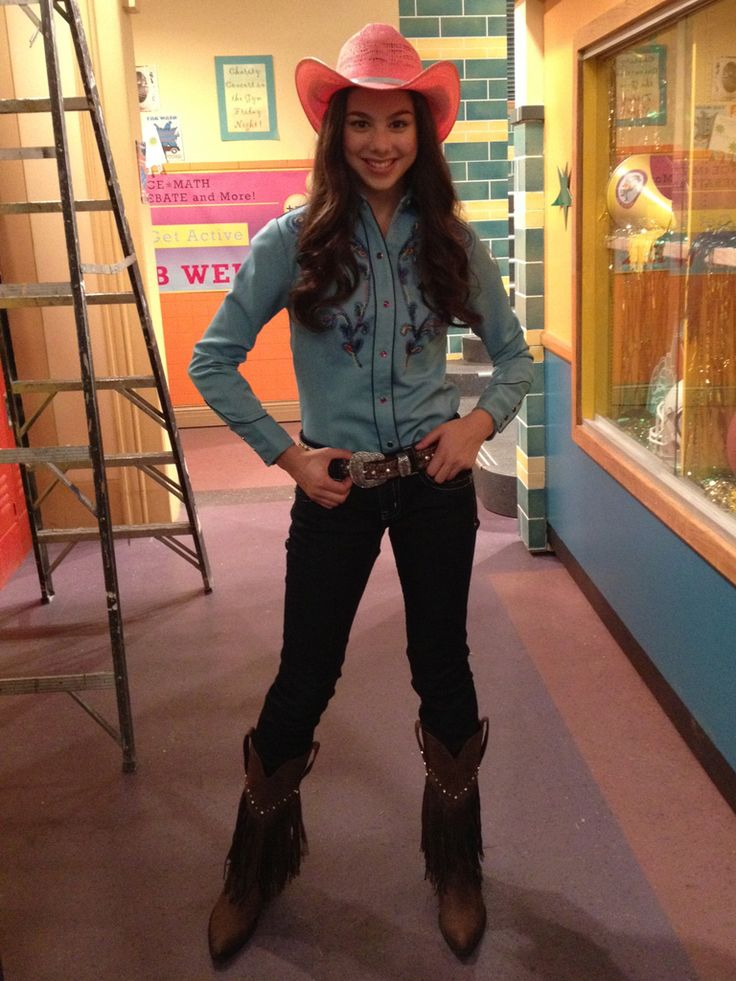 Super Cowgirl Could this be one of Phoebe Thunderman's super alter egos?! With that cute outfit, we hope so!