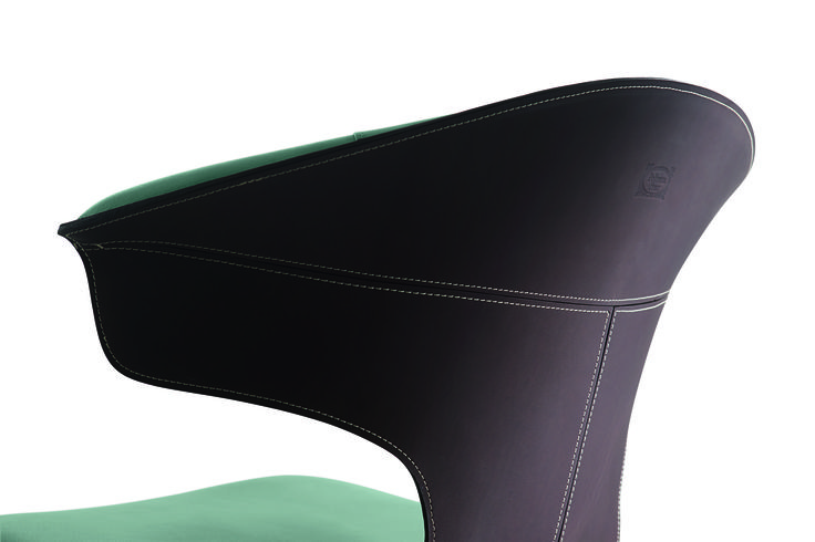 The seat comes in a new stackable version with base comprising four steel legs in the evocative blasted and burnished finish, which gives the metal renewed warmth. The seats can now be stacked thanks to their reduced dimensions and the more tapered shape of the legs, as well as the plastic insert upholstered with Pelle Frau® leather which prevents direct contact between the steel of the base and the leather shell.  Discover more on: http://poltronafrau.com/en/catalogue/collection/montera