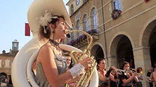 À voir en vidéo : Le Gers est une terre de rencontre et d'échanges qui vit toute l'année. De nombreux rendez-vous culturels et festifs vous feront vibrer ! #culture #festival #festivals #fête