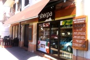 Supermarché Sherpa à Abondance Les Montagnes de Sherpa: La station d'Abondance