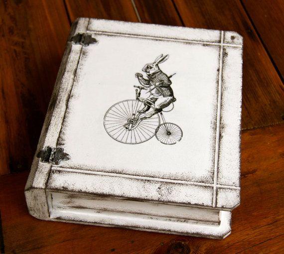 Boite en bois décorative Livre esprit vintage par Elolittlebox
