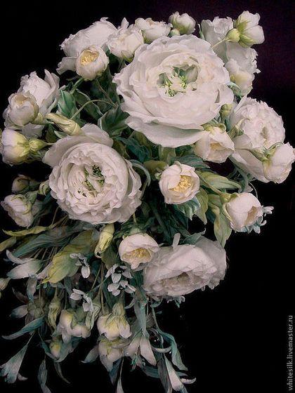 """Свадебные цветы ручной работы. Ярмарка Мастеров - ручная работа Букет из белых шелковых роз """"Искушение"""" Свадебный букет композиция. Handmade."""