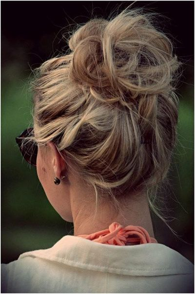 Messy Bun Hairstyle my favorite is super cute perfect for day at home or the park or the beach