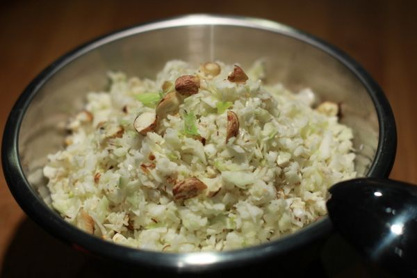 Recette de Salade pomme, chou et noisettes au Thermomix