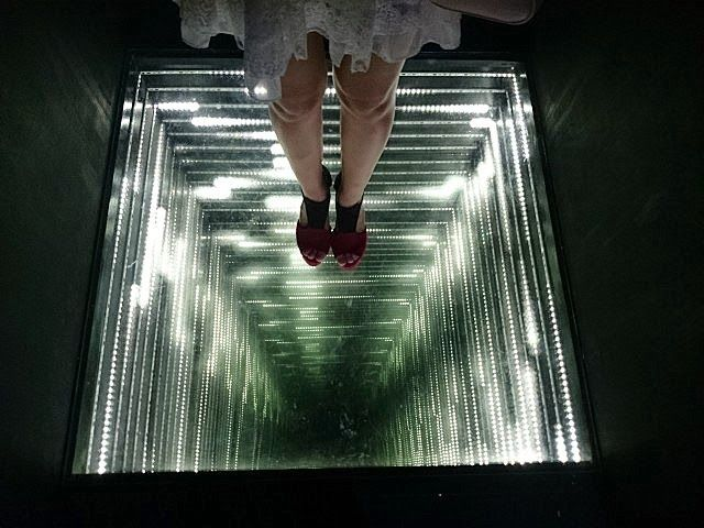 25 Best Ideas About Infinity Mirror On Pinterest