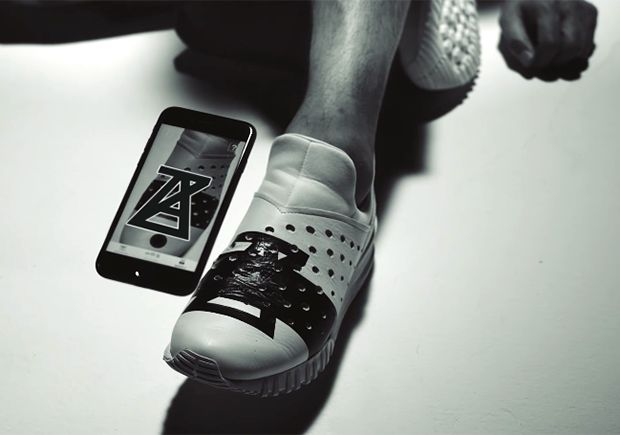 The current augmented reality trend in the tech world has finally made it to sneakers. ASICS parent company Onitsuka Tiger has teamed up with fashion label Anrealage to create the first augmented reality sneaker that when paired with a special … Continue reading →