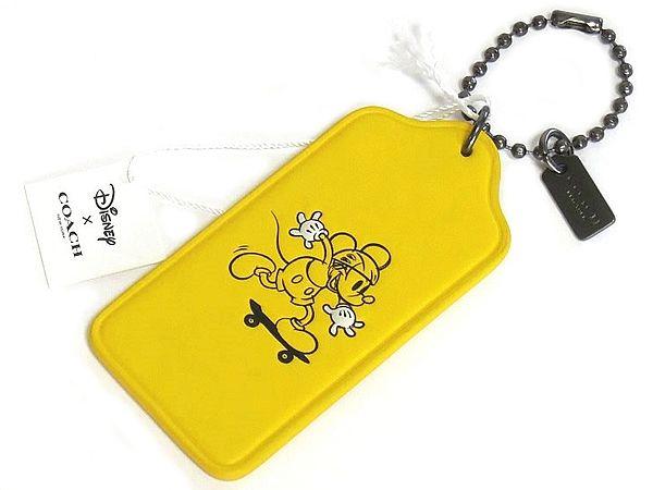 【DISNEY×COACH】F59153 ミッキーマウス ハングタグ スムース レザー スケートボード 黄色 アウトレット限定コレクション