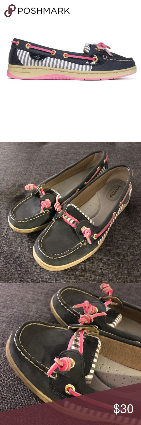 Sperry angelfish pink and navy striped boat shoes Lightly worn Sperry Top-Sider Shoes Flats & Loafers