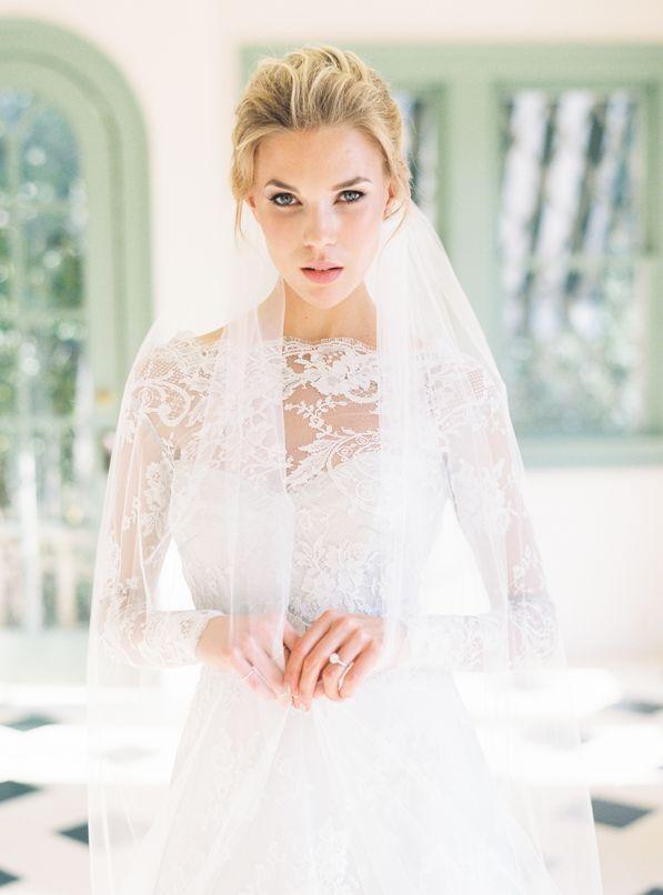 wedding-veil-bridal-portraits