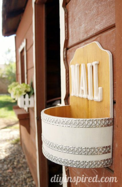 Playhouse DIY Mini Makeover- Add a little mailbox out of thrift store finds. #3MDIY #3MPartner