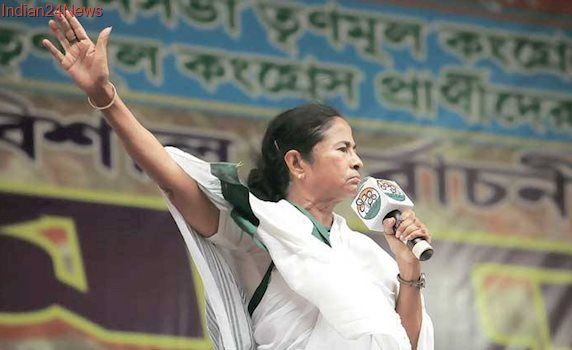 Amit Shah's comment on Gandhi unethical, should apologise: Mamata Banerjee