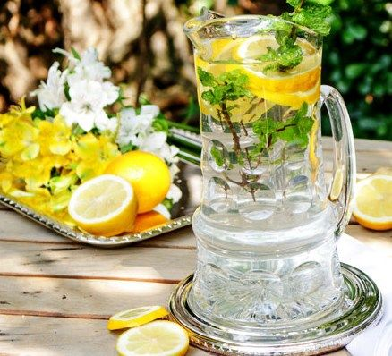 Água aromatizada - Água de limão, erva-doce e hortelã (digestiva e detox).