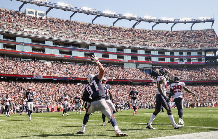 Patriots vs Texans film review: Brady to Gronkowski for the game's first TD - Pats Pulpitclockmenumore-arrowHorizontal - WhiteHorizontal - WhiteStubhub LogoHorizontal - White : Let's dissect New England's first score of the game.