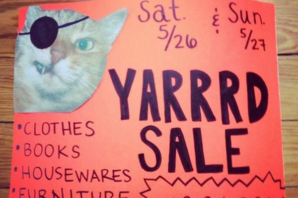 Garage sale signs that went above and beyond (23 Photos) : theCHIVE