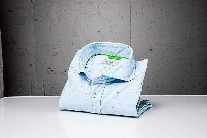 Snygg skjorta från Eton. Wårdhs väljer mode i storstaden i sommar 2013. @Täby Centrum