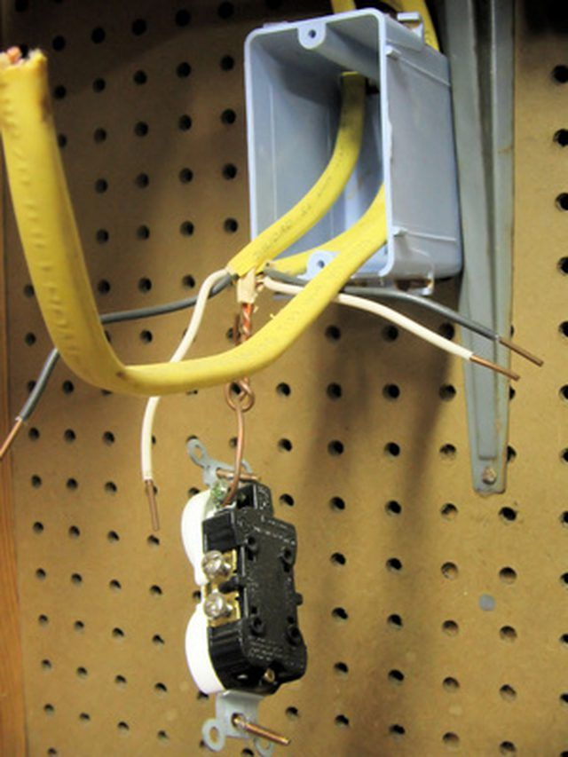 How To Wire A Amp Outlet Hunker >> How To Wire Double Electrical Outlets Arch Electrical Tools