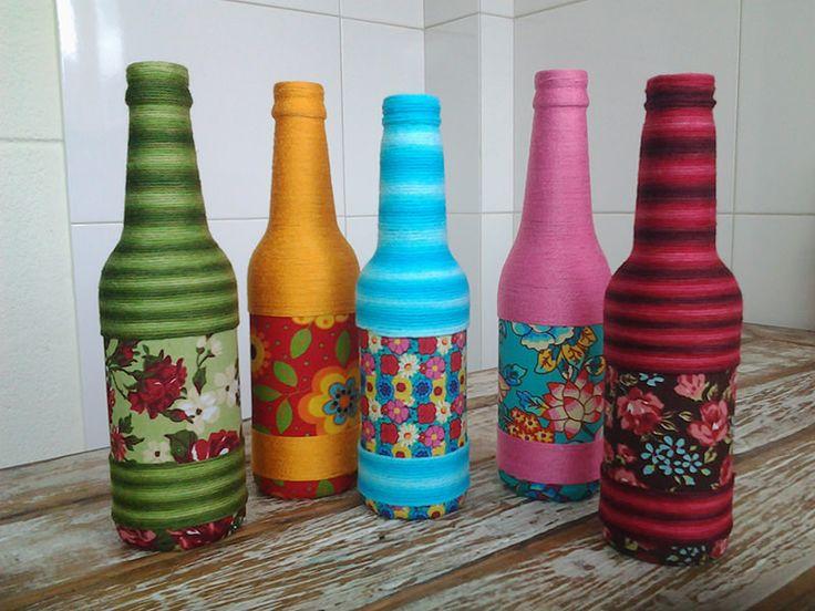 garrafas-decoradas-com-barbante-e-tecido-para-casamento-e-cha-de-panela                                                                                                                                                                                 Mais