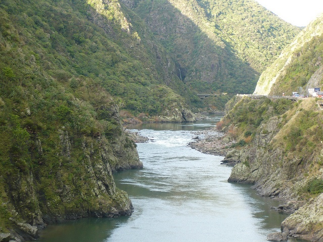 The beautiful Manawatu gorge.