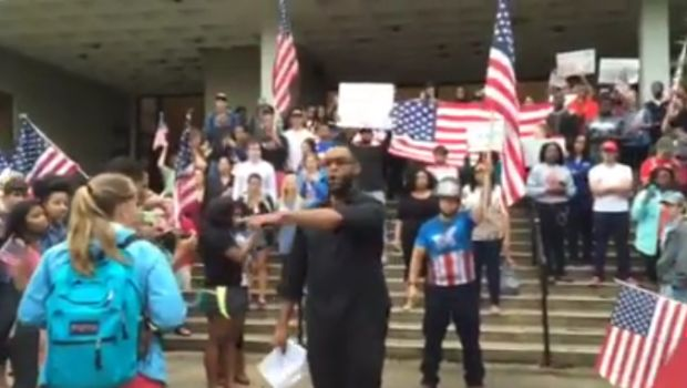 VIRAL VIDEO: GA STUDENTS RISE UP AND UNITE IN SUPPORT THE AMERICAN FLAG