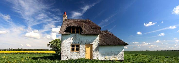 Cottage near Wisbech town, Fenland, Cambridgeshire, England - Isolated Fenland Cottage near Wisbech town, Fenland, Cambridgeshire, England; Britain; UK