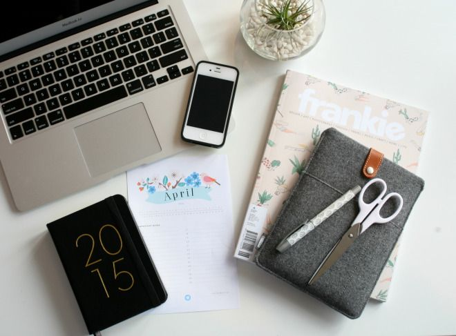 Photography tips for the perfect flat lays!  #Photography #Flatlays #Desk