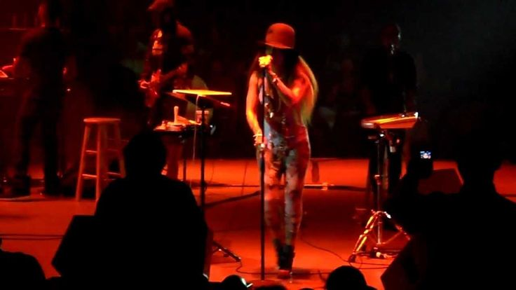 Danger - Erykah Badu Live - Houston 5/21 Arena Theatre