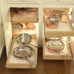 pots and pans: Kitchens Design, Traditional Kitchens, Contemporary Kitchens, Kitchens Ideas, Kitchens Drawers, Corner Cabinets, Kitchens Cabinets, Kitchens Photos, Kitchens Storage