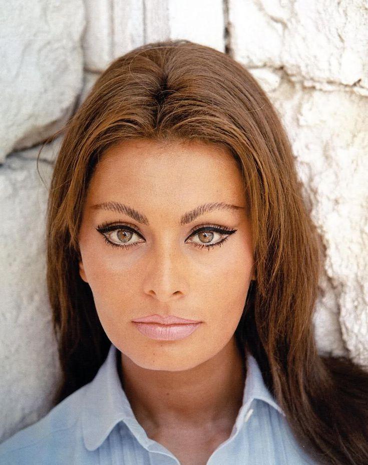 Sophia Loren; perfect makeup!
