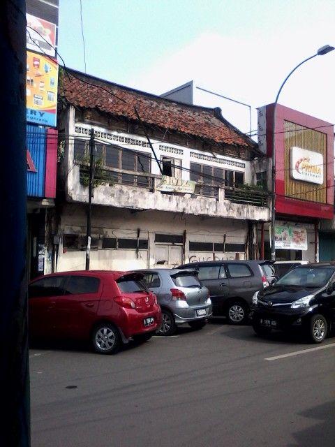 Abandon building at pasar lama Tangerang #save #heritage #building