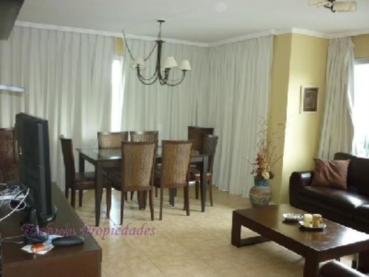 ROOSEVELT ...PARADA 14 ... TODOS LOS SERVICIOS 3 dormitorios , 2 baños , uno en suite , living comedor c/balcón al frente , cocina c/lavadero , gge .pisos nuevos VENTA USD 215.000.-