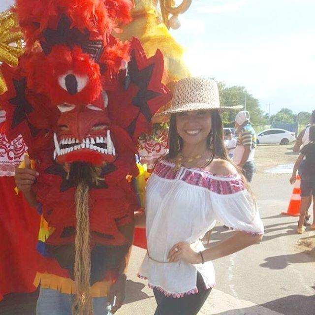 Desde los desfiles del 10 de noviembre de la gran Chorrera nuestra hermosa miss teen Universe Panamá @karolinamichell_ ❤️️💙