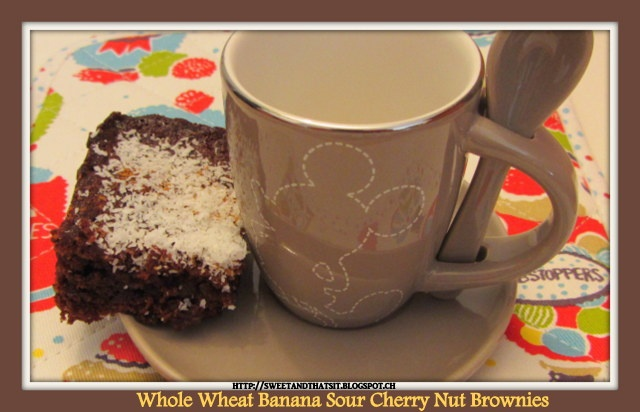 Sweet and That's it: Whole Wheat Banana-Sour Cherry-Nut Brownies / Brownies Integrali con Banane, Amarene e Noci
