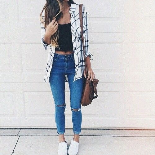 back to school stylish outfit- Back to school outfit ideas http://www.justtrendygirls.com/back-to-school-outfit-ideas/
