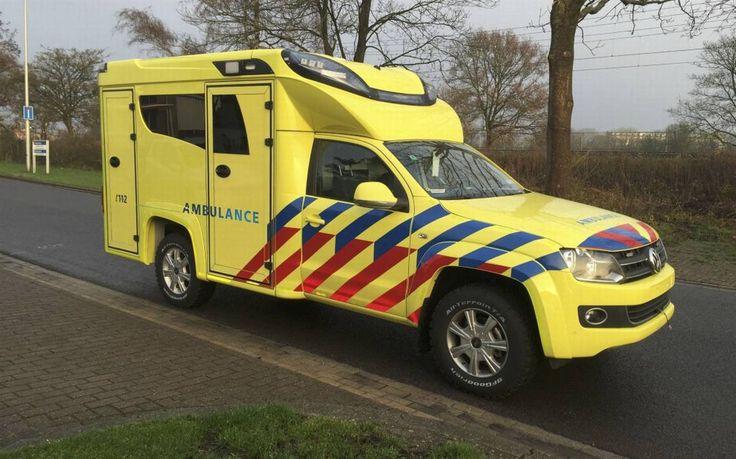 Nieuwe ambulance voor Terschelling. New ambulance for Terschelling, Netherlands.  Read the article (in Dutch):  http://www.lc.nl/friesland/Nieuwe-ambulance-voor-Terschelling-21087549.html