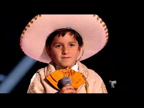 "Christopher canta ""Me encantas"" en ""La Voz Kids"" - YouTube"