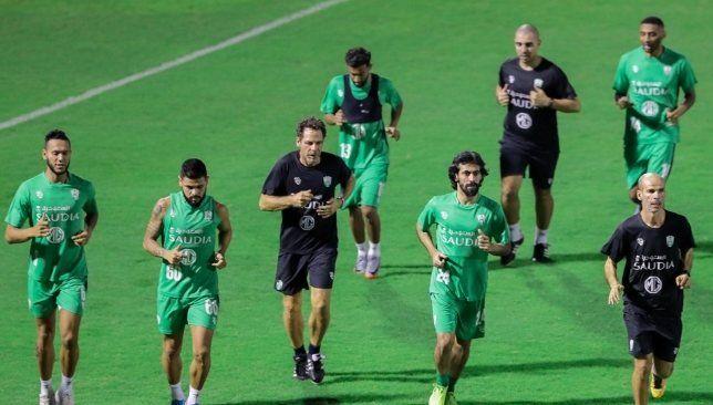 النادي الأهلي السعودي يواجه الفيحاء وديا خلال فترة التوقف الدولي سعودي 360 يسعى الجهاز الفني للفريق الأول لكرة القدم بالنادي الأه Soccer Field Soccer Field