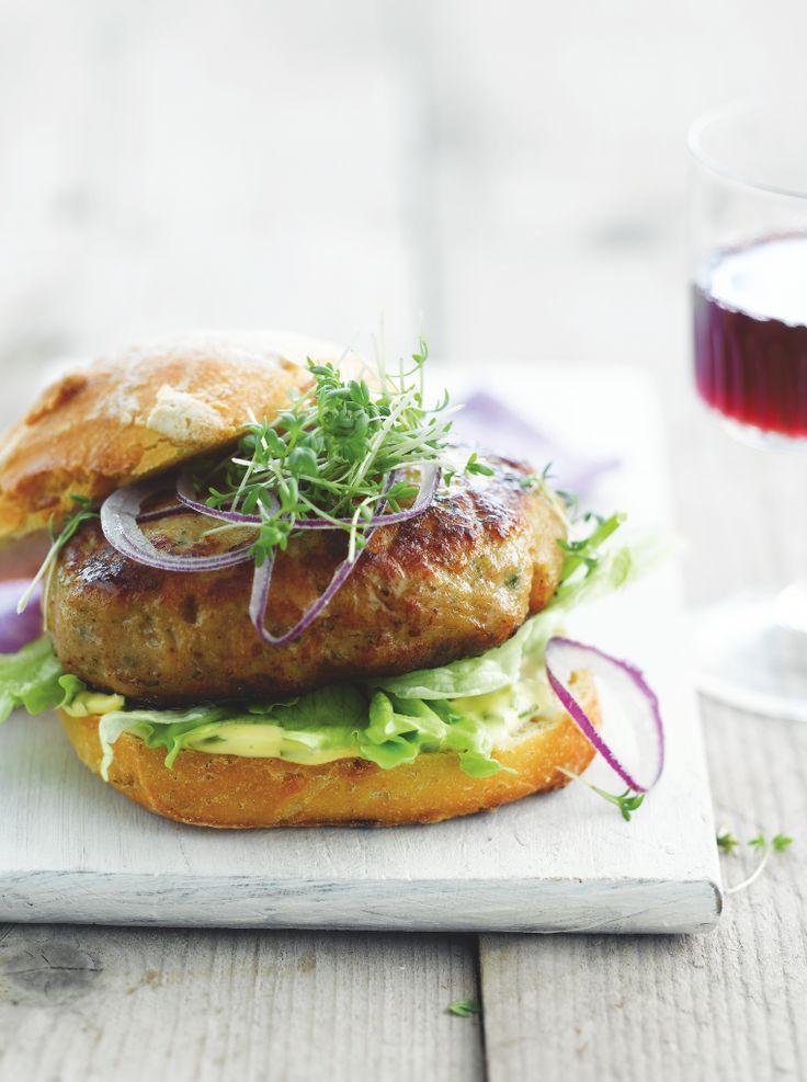 Kipburger Deluxe http://www.njam.tv/recepten/kipburger-de-luxe