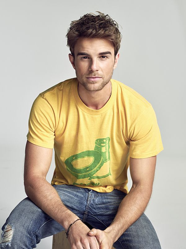 Nathaniel Buzolic as Jimmy Barnes in Significant Mother - exclusive interview