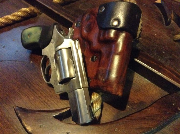 """Custom """"EDC High Ride"""" holster for the Ruger SP101. Made by D. A. Norcross Customs. 8/9oz leather"""