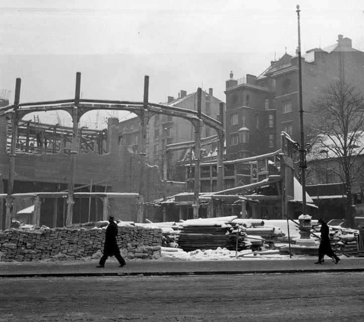 Alagút utca, a Budai Színkör bontása.