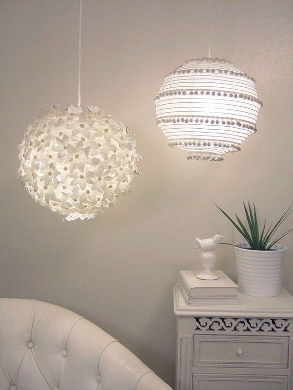 Decorated paper lanterns!!!Decor Ideas, Lights Fixtures, Paper Lanterns, Pompom, Paper Lamps, Paper Flower, Girls Room, Pom Pom, Diy