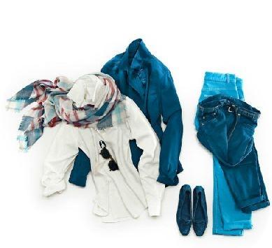 Loro Piana per le donne! Camicia Ramie in seta e camicia Kara in seta Japon; Sciarpa Quadrata in cashmere e seta saffio; Pantalone Mathias in denim stretch; scarpa Aude in suéde. #outfit #woman