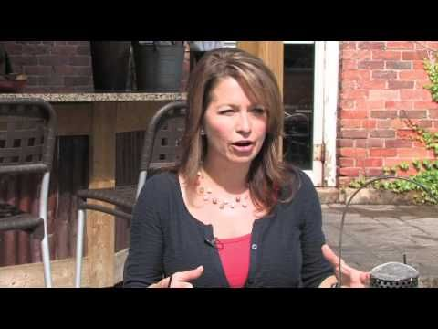 Today we visit Willowbrook Nurseries where Colleen shares som ideas on creating patio gardens and planters with shrubs and trees. Next we travel into Dundas where Dave Maciulis from Natural Landscape Group talks about using recycled material in and around the patio and garden at the Thirsty Cactus Cantina & Grill. Back at TERRA Naz Cavallero from Broil King makes the perfect beer brined pork chop. #PorkChop #PatioGarden