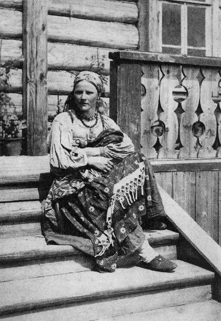On the porch. Simbirsk Province. Photos of the early twentieth century.