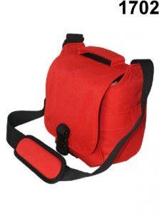 Tas kamera murah produk EIBAG Bandung kode 1702 Merah dengan kapasitas 1 kamera dslr lensa terpasang, 1 lensa tambahan, aksesoris kamera. Bahan menggunakan cordura dan taslan. Pada paket penjualan suda termasuk free raincover