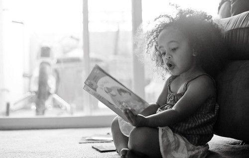 .Reading Book, So Sweets, Baby Children, Beautiful, Kids Photos, Nature Curly Hair, Adorable, Big Hair, Clear Skin