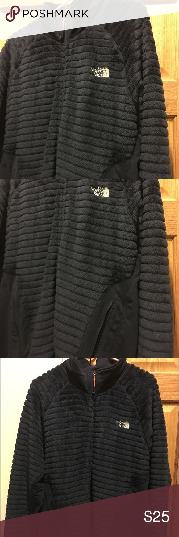 Blue and orange zippered north face xxl fleece Wore it 1 x  smoke free North Face Coat size xxl men's jacket The North Face Jackets & Coats Lightweight & Shirt Jackets