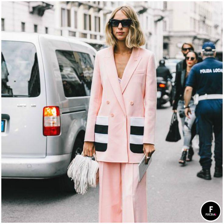¡Despídete de los trench coats y salida a los blazer largos de doble botón! Nos hacen ver elegantes, estilizadas y lo mejor, combinan con todos nuestros looks. #MustHave