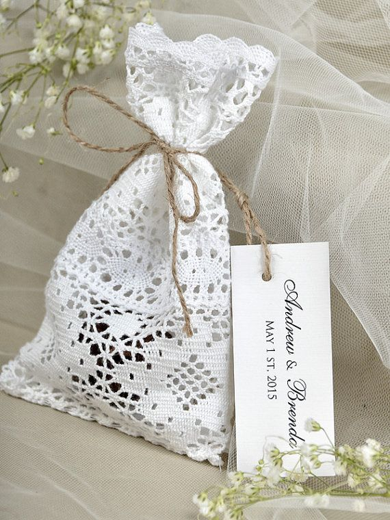 White lace Wedding Favor Bag ,Lace Rustic Wedding Favor, Lace and twine Favor Bags, Custom Tag: