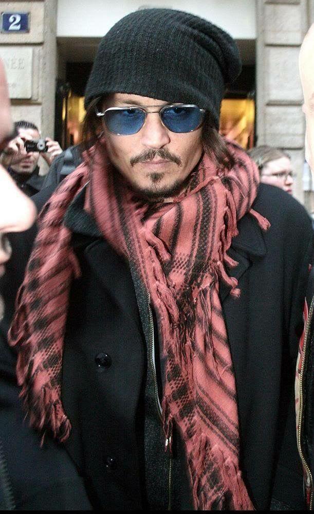 Johnny Depp is such a stylish dude. #johnny #depp